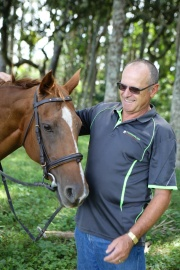 Leo Mors (Committee): Born in the Netherlands, an interest in horses came naturally to Leo. After the Ranges trip in 2006, Leo adopted two Kaimanawas in 2007. The rest is history.